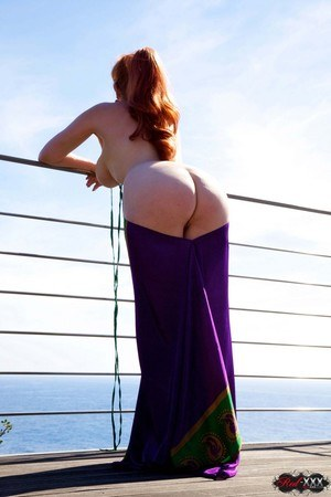 Redhead Naked Ass Pics